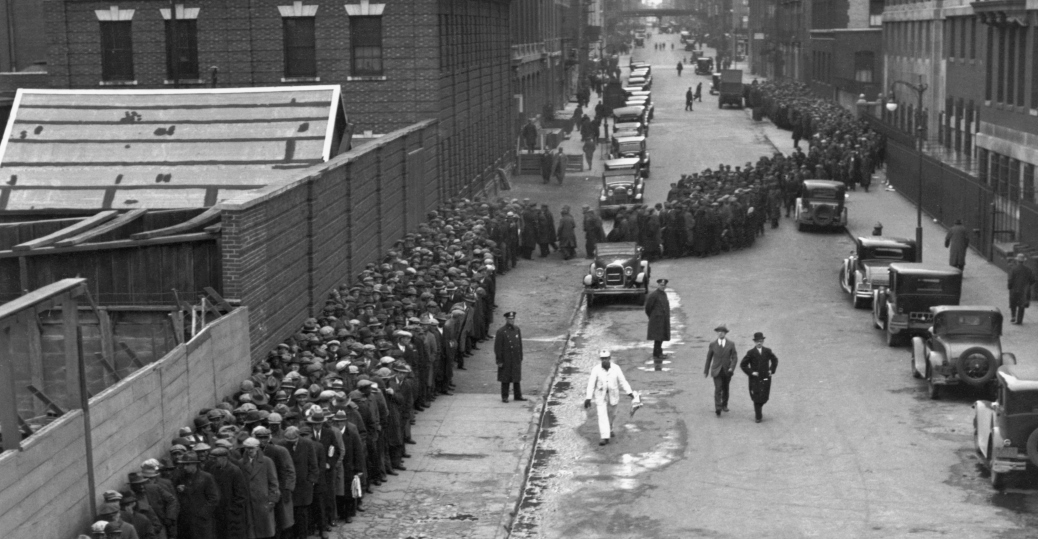 charming Soup Lines During The Great Depression Part - 8: Christmas bread line in Manhattan 1931